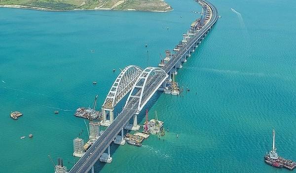 Танки нужно было пустить: российский эксперт указал на ошибку с запуском Крымского моста