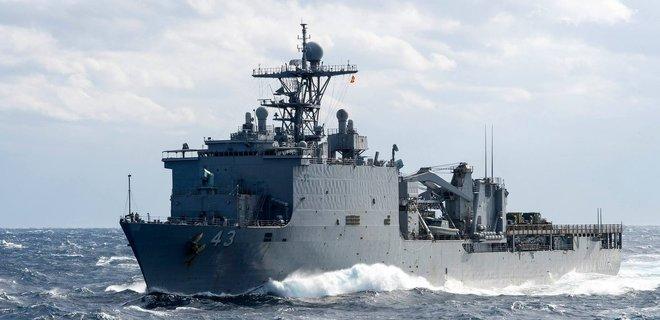 В Черное море идет десантный корабль США
