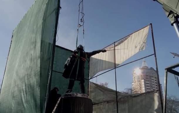 В Киеве демонтировали памятник российскому полководцу Суворову