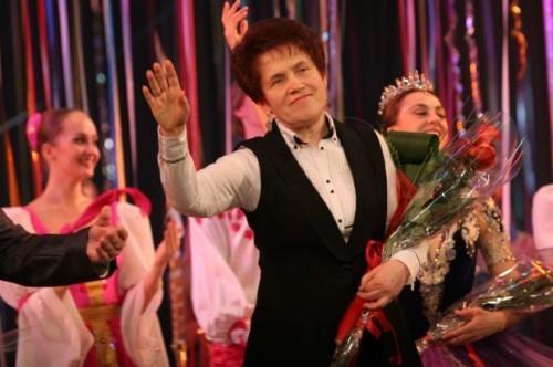 Жена Януковича открыла в Крыму кинотеатр и магазины санкционных товаров