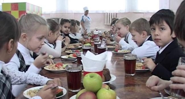 «Жри! Жри тут и быстрее!»: очередной российский учитель отличился жестокостью по отношению к ученикам