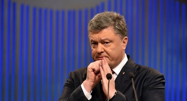 Блогер: «По поводу подачи документов в ЦИК от Порошенко есть старый анекдот»