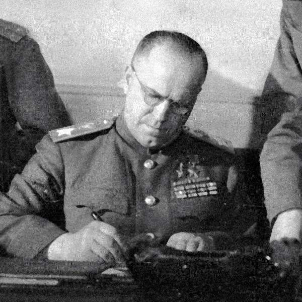 Маршал Жуков-главный красный мародер ВОВ ?