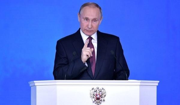 «Он уже всю страну послал. Кому интересно это старое трепло?» Россияне разозлились из-за нового обращения Путина