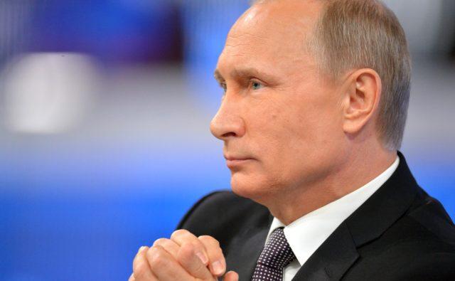 Путин опозорился на глазах у собственных чиновников: «Надоело эту пургу слушать»