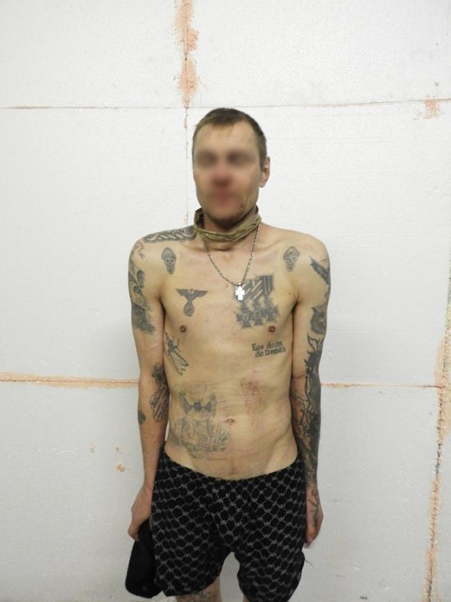 Рецидивист с 15-летним стажем отсидки и с татуировками-свастиками ехал воевать за оккупантов, но попал в тыл ОС. ФОТО