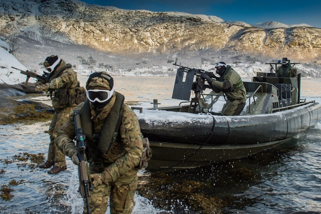 Великобритания усилит присутствие в Арктике из-за России