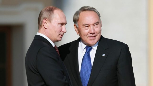 Назарбаев ушел в отставку после разговора с Путиным: первое заявление Кремля