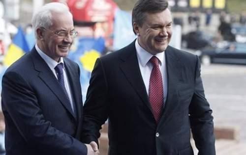 Янукович и Азаров включены в списки избирателей