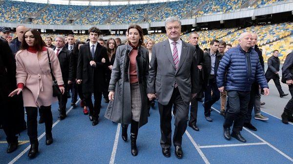 Не уважает народ: Порошенко призвал Зеленского пояснить, почему его так активно поддерживают политики из РФ