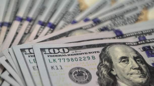 После первого тура выборов доллар в Украине стал еще дешевле