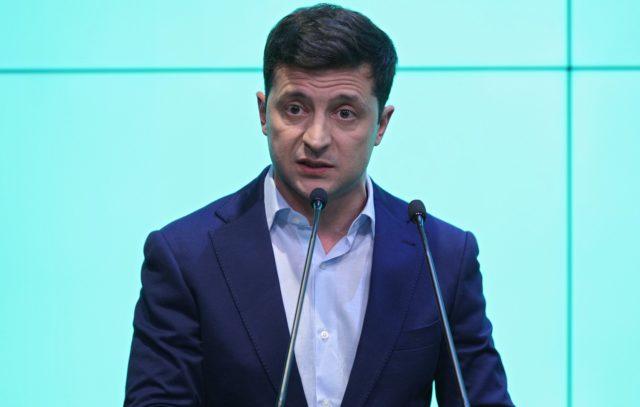 У Зеленского открыли охоту на коррупционеров: украинцам предлагают поучаствовать, объявлена награда