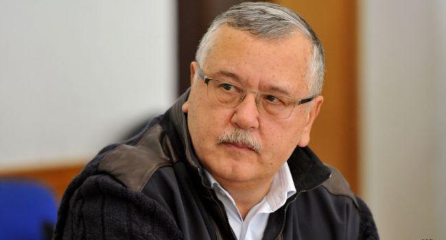 В России «арестовали и заключили под стражу» Анатолия Гриценко