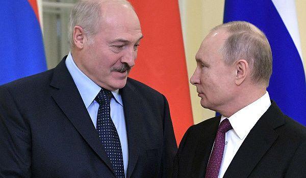 Заманить, «как Наполеона»: Путину предложили отдать Лукашенко часть России