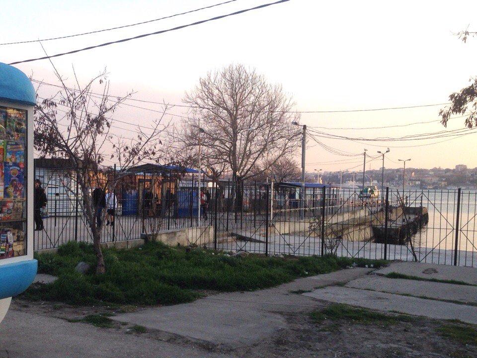 Жизнь в «родной говени»: севастопольцы возмущены количеством заборов в городе. ФОТО