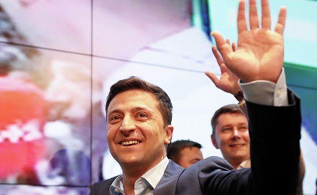 Зеленский официально распустил Раду и уволил ключевых политиков: срочное заявление нового президента