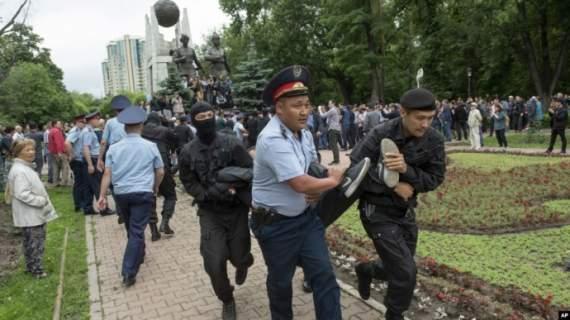 Волнения в Казахстане: задержаны около 500 человек