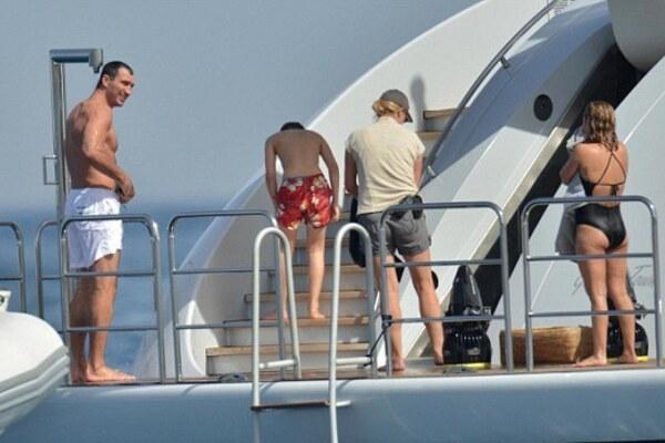 Кличко нашли на пылающей яхте, опубликованы кадры и новые подробности: «бойтесь своих желаний»