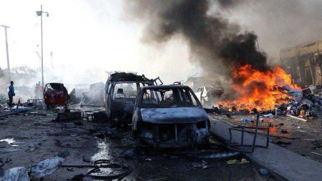 Мощный взрыв прогремел возле парламента, улица усеяна трупами: детали и кадры теракта