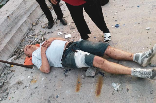Мужчину проткнуло металлическим прутом на стройке в Киеве: кадры с места ЧП