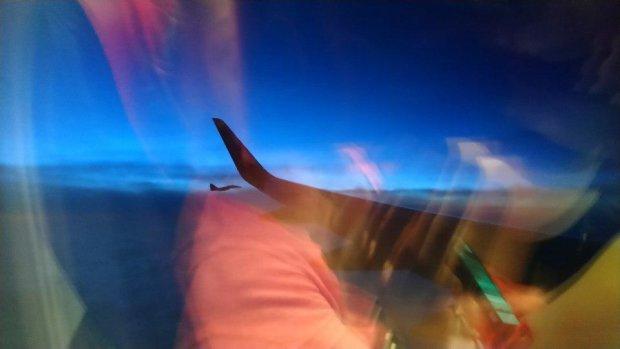 Самолет с украинцами на борту был перехвачен военными истребителями: что произошло