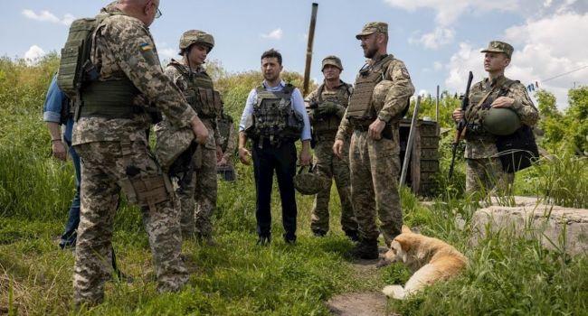 Тыщук: вчера Зеленский фактически приступил к отводу украинских войск с территорий, которые были уже отвоеванные у оккупанта