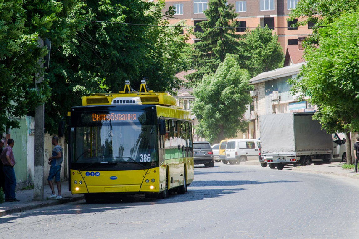 У Чернівцях маршрутки замінять електробусами
