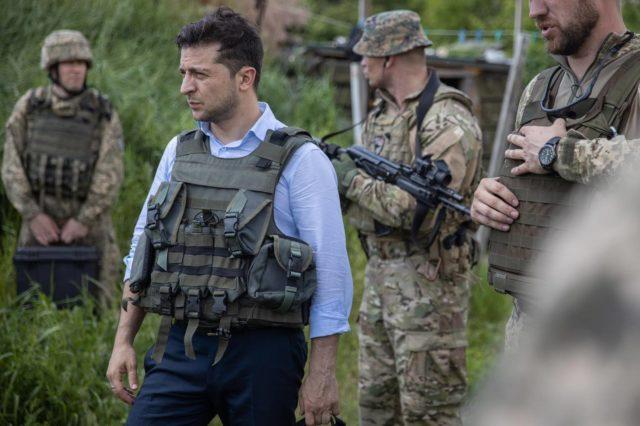 Зеленский принял революционное решение по Донбассу: «Начал отрубать руки»