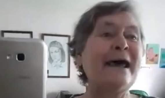 Пожилая женщина заразила весь Facebook смехотерапией