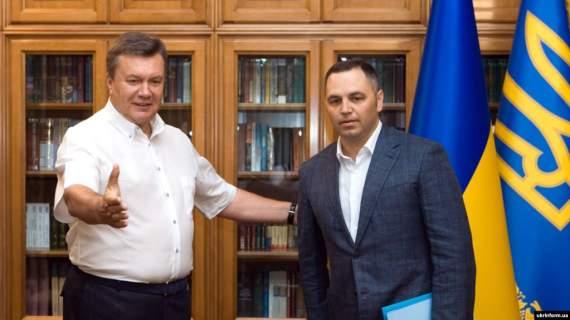 «Може, мені час купити твоє вухо?» — Портнов погрожує за нагадування про його роботу на режим Януковича