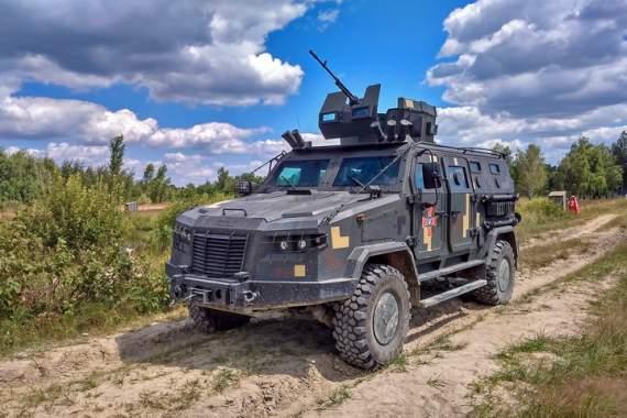 Новейший украинский бронеавтомобиль прошел государственные испытания. ФОТО