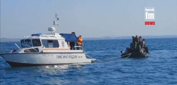 Морская «смехдержава»: оккупанты оконфузились при форсировании Керченского пролива. ВИДЕО