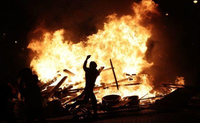 Главное за ночь: болезнь Путина, авиакатастрофа в аэропорту и бойня в столице