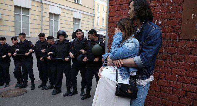 «Власть боится краху!» Российский публицист рассказал о протестах в РФ