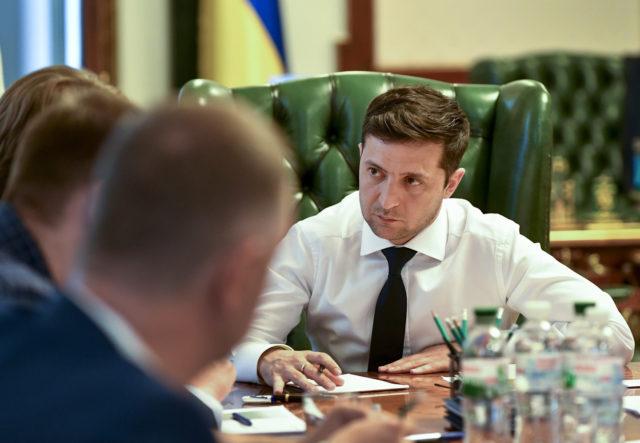 Военное положение в Украине: Зеленский подписал судьбоносный указ, подробности решения