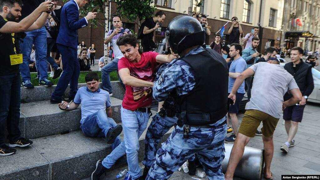 100 тысяч россиян готовятся выйти на очередную акцию протеста в Москве