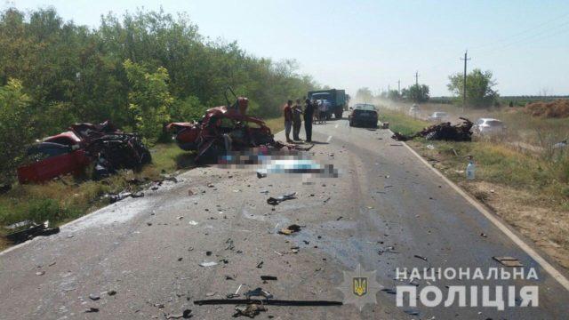 Автокатастрофа забрала жизни людей на Одесчине: «трупы разбросаны на дороге», кадры не для слабонервных