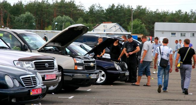Эксперты назвали признаки, указывающие, что автомобиль явно побывал в ДТП