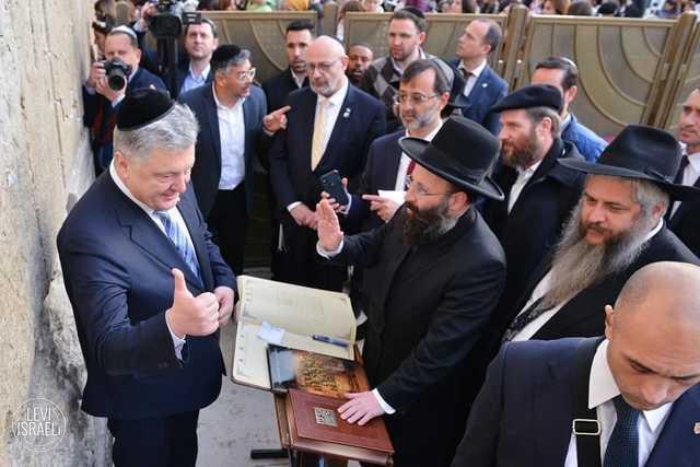 Тыщук: доходит до абсурда, у власти – евреи, две трети олигархата – евреи, банковскую сферу и СМИ контролируют тоже евреи
