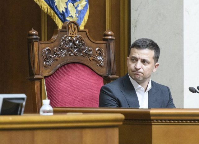 Зеленский решил судьбу евробляхеров: новый закон уже внесен в Раду