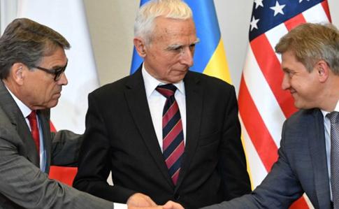 Украина, Польша и США подписали газовое соглашение: цель – снизить зависимость от РФ