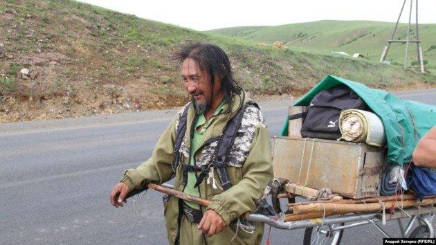В Кремле прокомментировали исчезновение шамана, который шел «изгонять» Путина