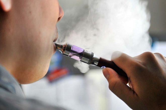 В Раде решили ограничить продажи электронных сигарет