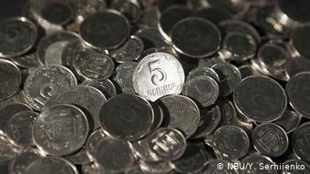 5 і 10 гривень стануть монетами