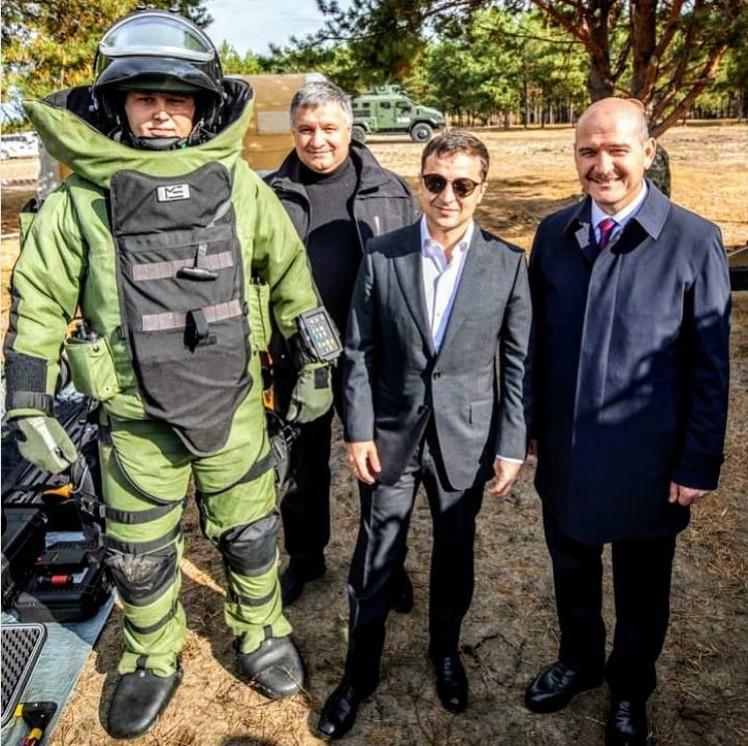 Аваков завел Зеленского на минное поле. И это не фигуральное выражение