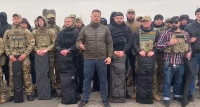 Билецкий привез на восток ветеранов АТО для защиты территорий в случае отвода ВСУ