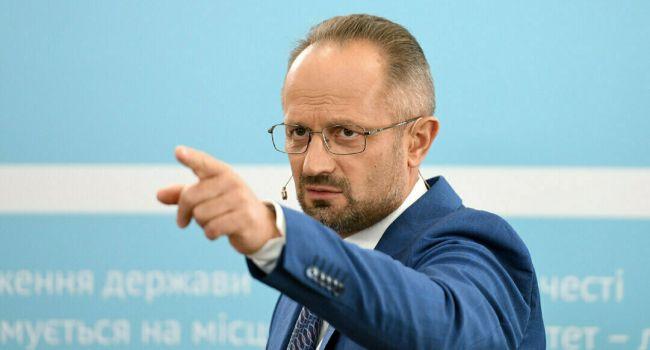 «Формула Штайнмайера»: Кучма отказался подписывать, но все решил Зеленский – Роман Бессмертный