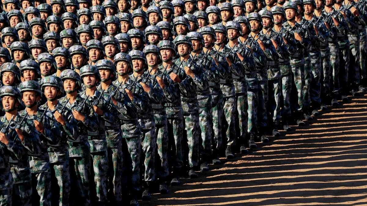 Китай провел крупнейший в истории военный парад: впечатляющее видео
