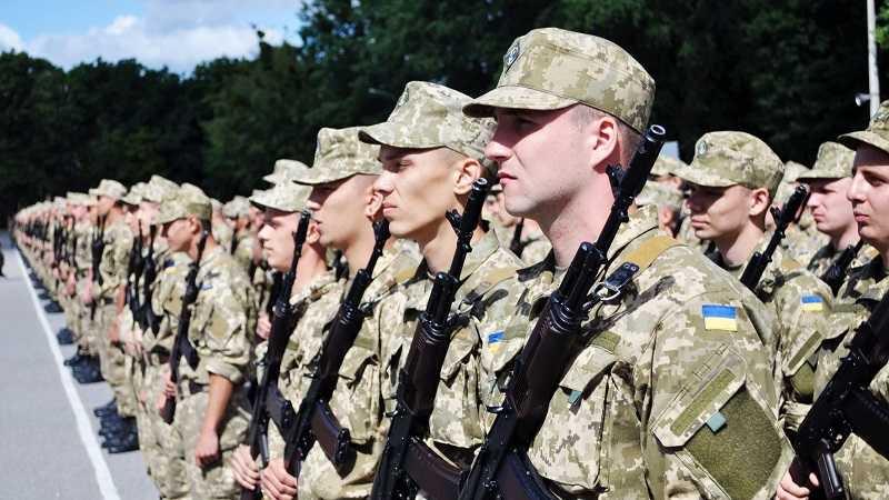 Кому ждать повестки: в Украине начался военный призыв