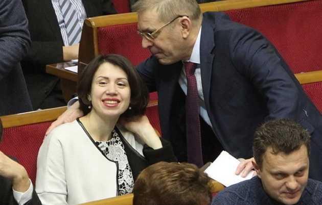«Пи…, могу и в морду дать»: одиозная Черновол атаковала журналиста, видео позора попало в сеть